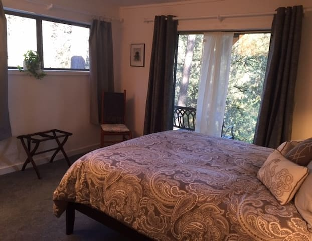 Country privacy close to music, wineries, hiking - Grass Valley - Casa