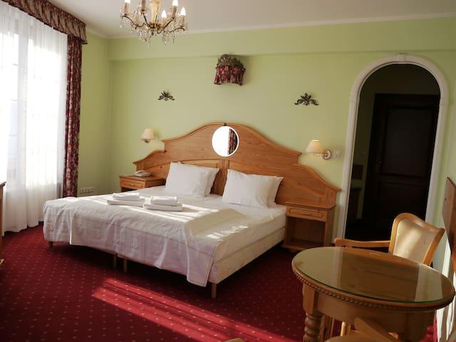 Komfortowy pokój 2-osobowy z wanną z hydromasażem