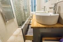 Baño con menaje de Hogar