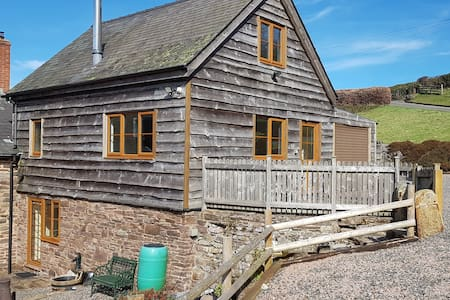 Dingle Cottage Clun, Shropshire - rural retreat