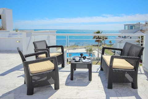 Beautiful Beachfront Penthouse with Sea Views,