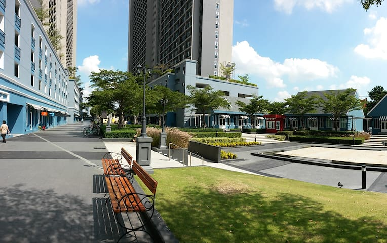 Chapter One- Modern Dutch Riverside - Bangkok - Flat