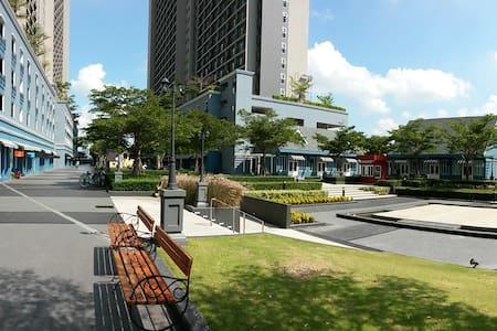 Chapter One- Modern Dutch Riverside - Bangkok - Leilighet