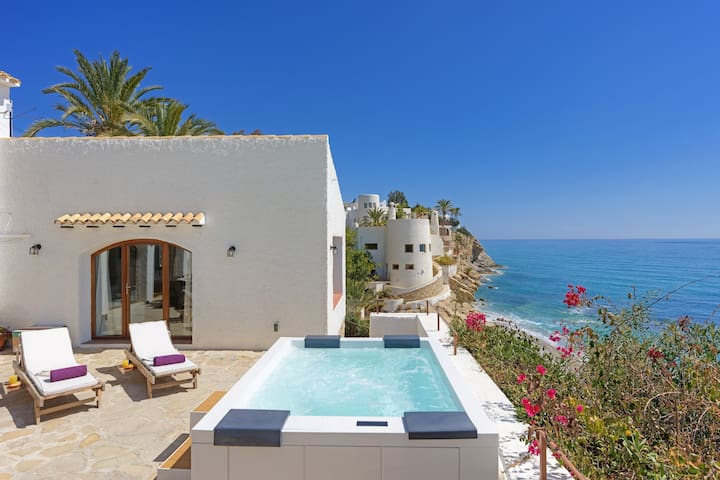 VILLA JAMBO - Villa with sea views in Villajoyosa.