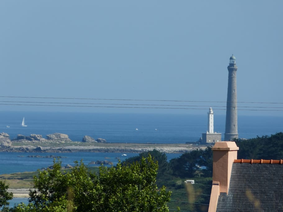 Sight of the large lighthouse.
