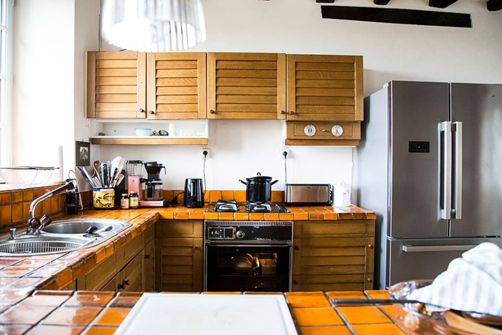 Kitchen with Double-door Fridge