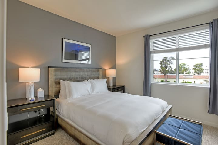 Urban Flat| New Foster City Suite| Fully Sanitized