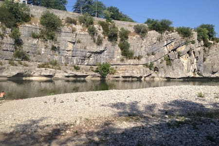 Ardeche sud -By the river - Ruoms