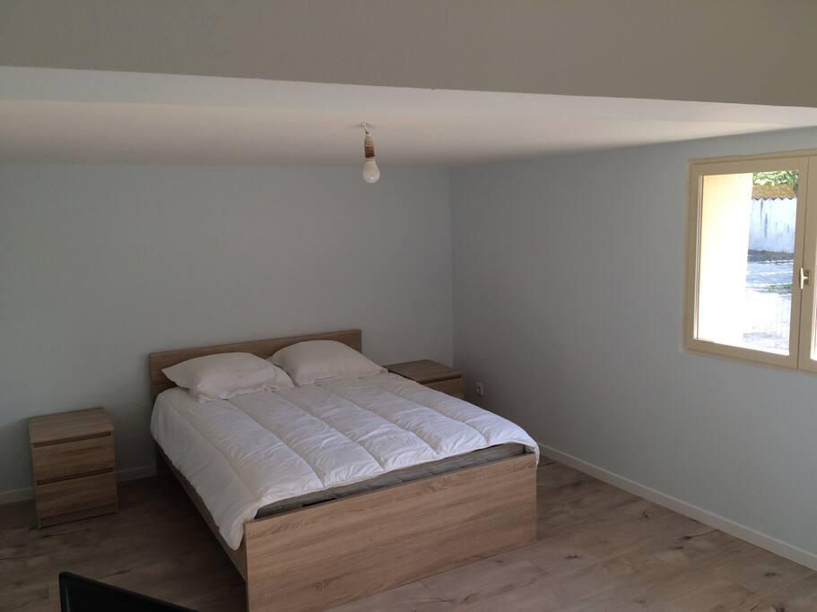 2ème chambre rdc, lit double
