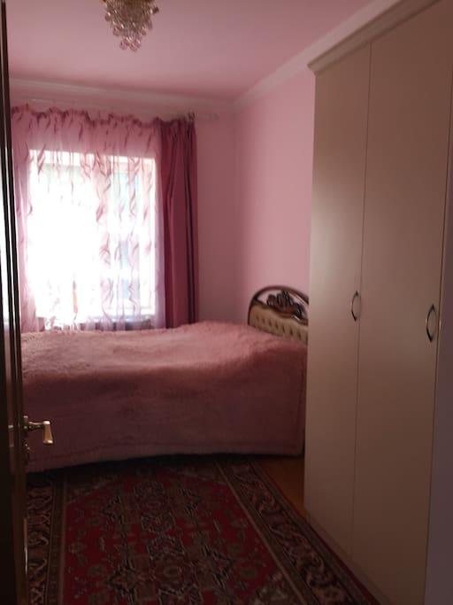 комната с 1 кроватью (вместимость 1-2 чел.)