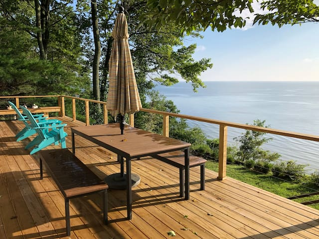 Chesapeake Bay Cliffs Getaway