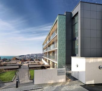 """The Gallery""  Studio flat close to the beach. - Saltdean - Apartment"