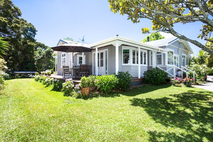 Matakana Village Bungalow