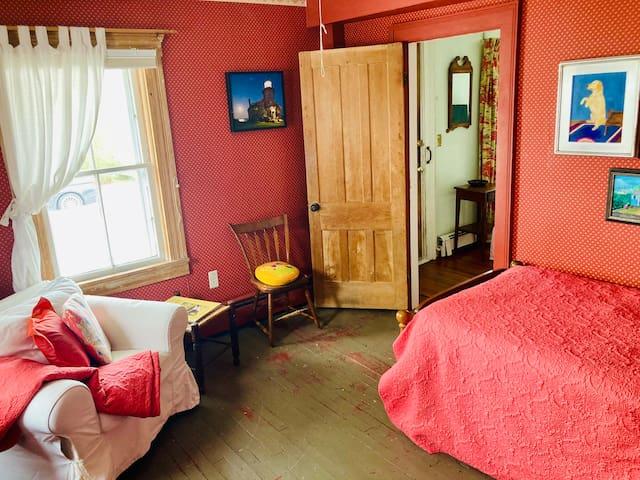 Den/spare bedroom