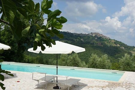 Fuoco with a great view ,Pool , San Galgano