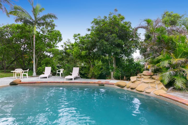 Three Bedroom Apartment Sleeps 6 - Toowong - Pis