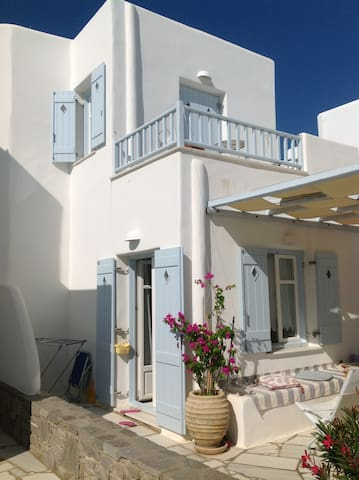 Fairy-tale home steps from sea! - Paros - Casa