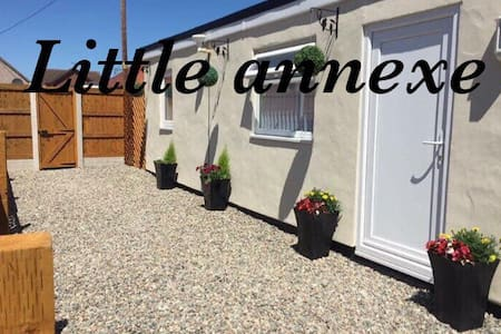 Self contained little annexe