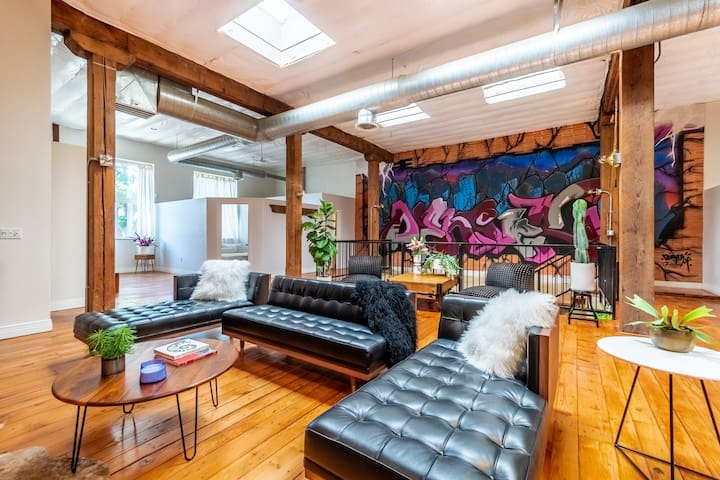 FoxLoft - Sprawling 2 Level Designer Loft in Rino
