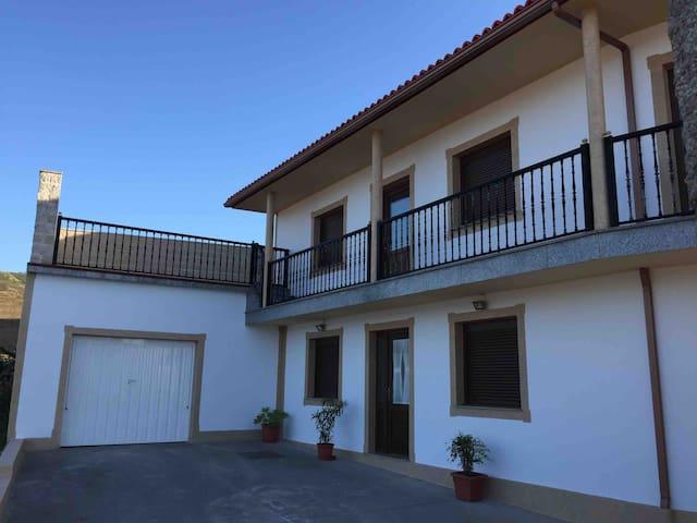 J.Casa en Lira (Carnota) con vistas