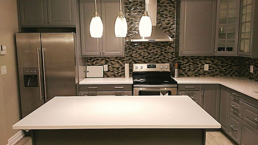 Brand new 2bdr Executive Suite, heart of Pickering