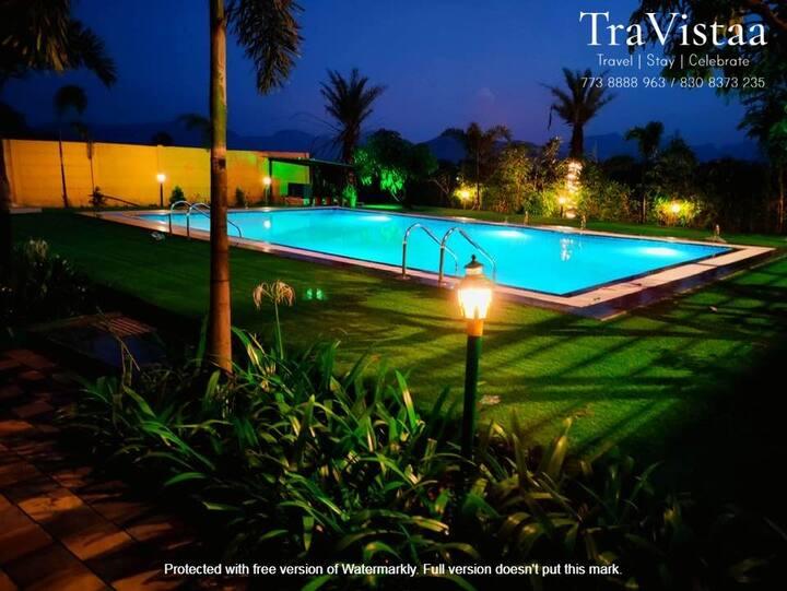 TraVistaa - Luxe Retreat with Lavish Pool.