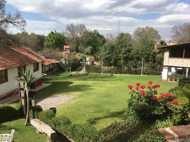 """Cabaña """"el Duraznito"""" en Los fresnos, casa rural."""