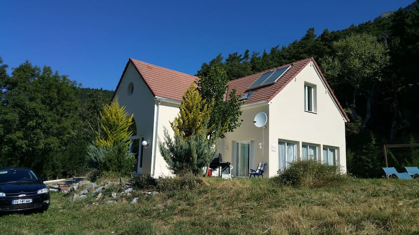 **** Lovely Mountain House **** - La Motte-en-Champsaur - Talo