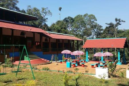 Vrindavan Sangeeth Farms - Coorg - Kolagadalu, Coorg  - 住宿加早餐