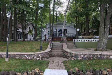Beautiful lake house get away in northern WI!