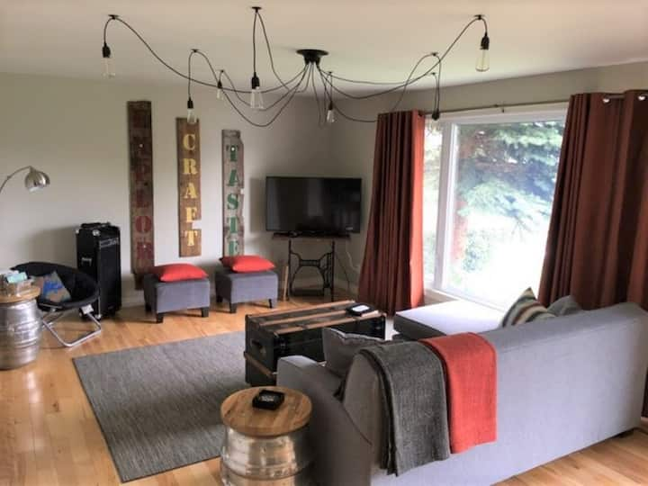 Craft House - Waterview in Picton