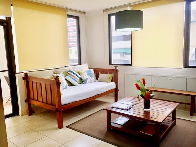 "PROMO! Greenbelt! ""Very Spacious"" 1BRw/den&daybed - Makati City"