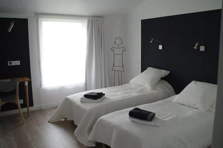 Chambre double avec espace salon et cuisine - Feyzin