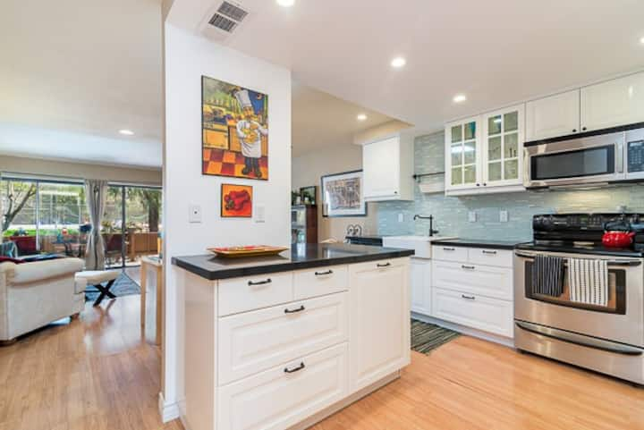 Beautiful Two Story San Diego Townhouse