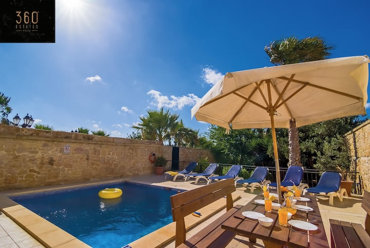 """""""The Peaceful Retreat"""" A beautiful villa with Pool"""