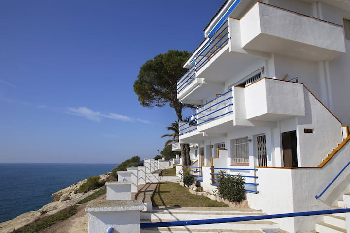 AT305 ALTAFULLA: Apartment in Cala Canyadell with fantastic sea view