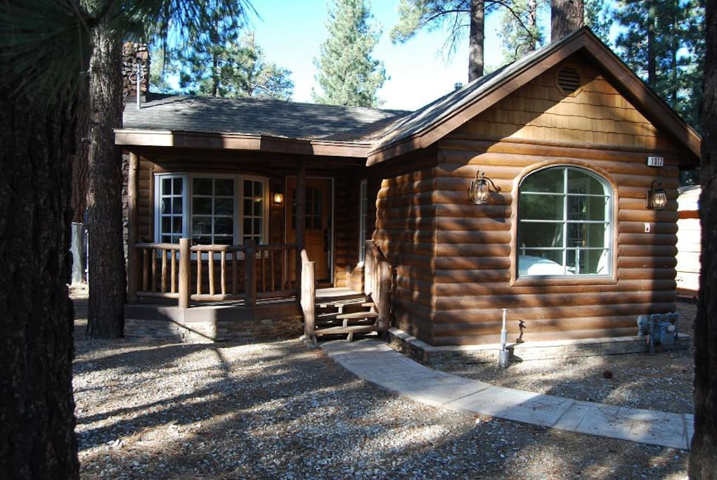 Storybook cabin cabins for rent in big bear california for Big bear cabins california