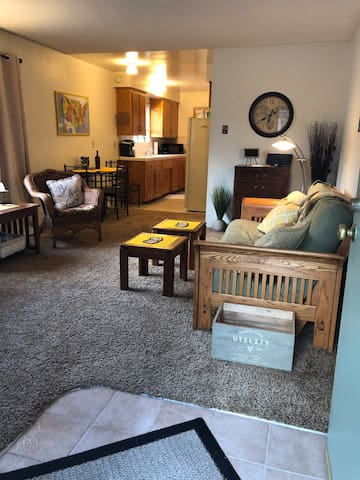Happy Townhouse close to Downtown and Cal Poly!
