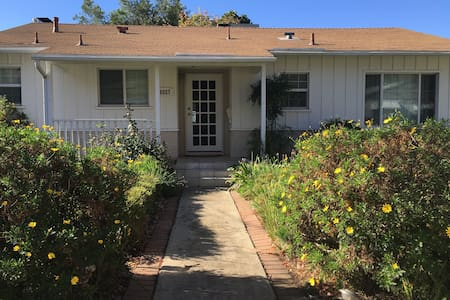 Charming home in the hills Private HOUSE 2RM-1BATH - Los Angeles