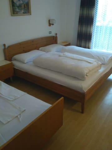 Doppelzimmer mit Balkon - Mühlen in Taufers - Bed & Breakfast