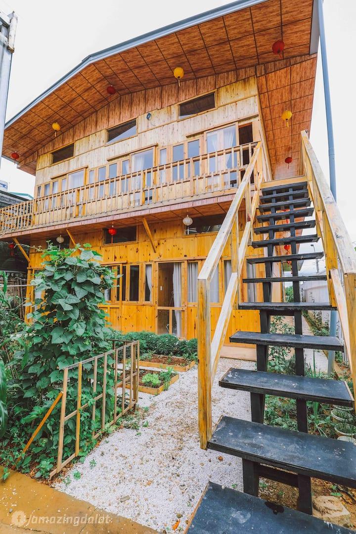 Manh Manh Home and Tea- Nhà gỗ yên bình ở Đà Lạt