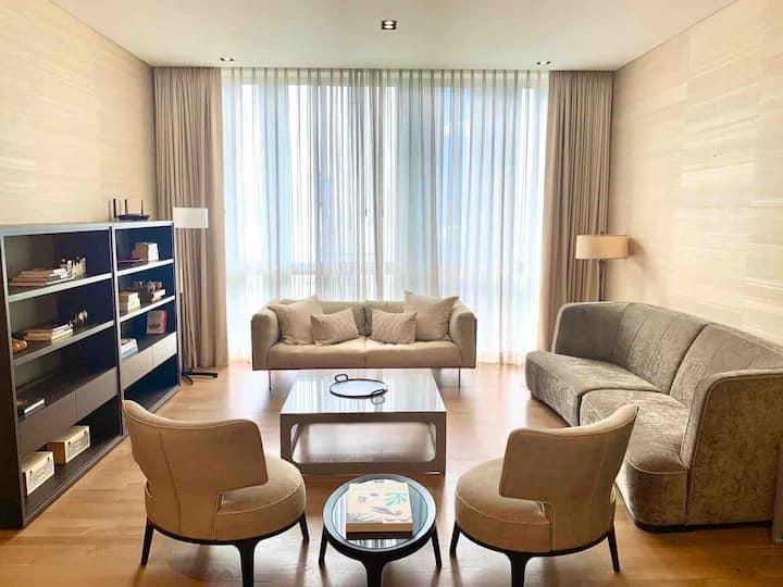 Luxurious condominium in Orchard