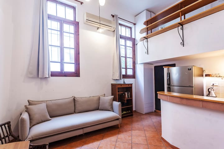 Boutique Loft In The Heart Of TLV.