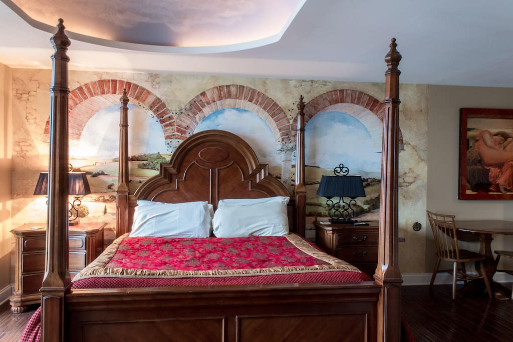 Italian Themed Studio King size bed #402