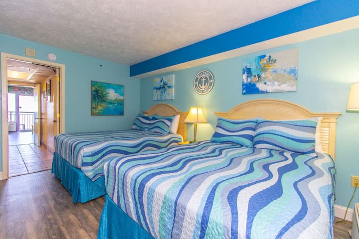 Beautifully Updated~Grande Cayman Resort 660~Oceanfront Suite! Sleeps 8!