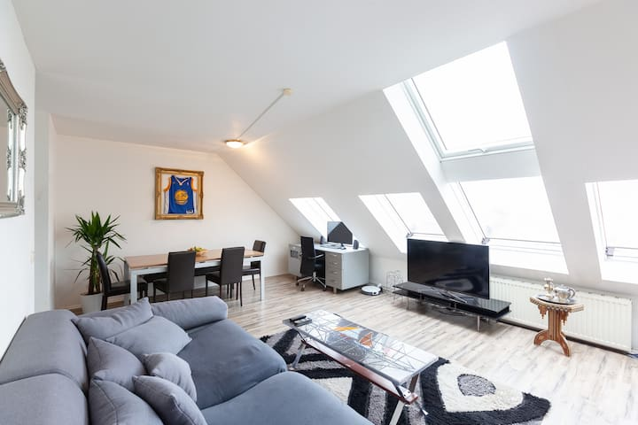 Central, modern & spacy apartment