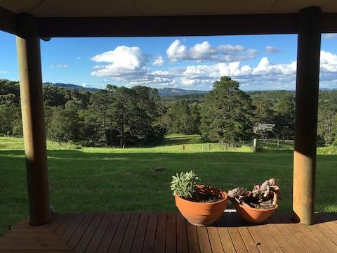 Mirradong Cottage - stunning views!