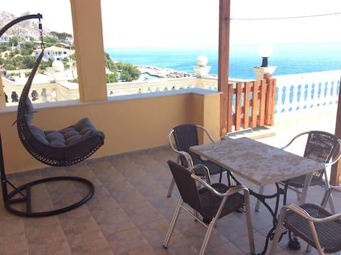 Panoramic View Apartment with big veranda