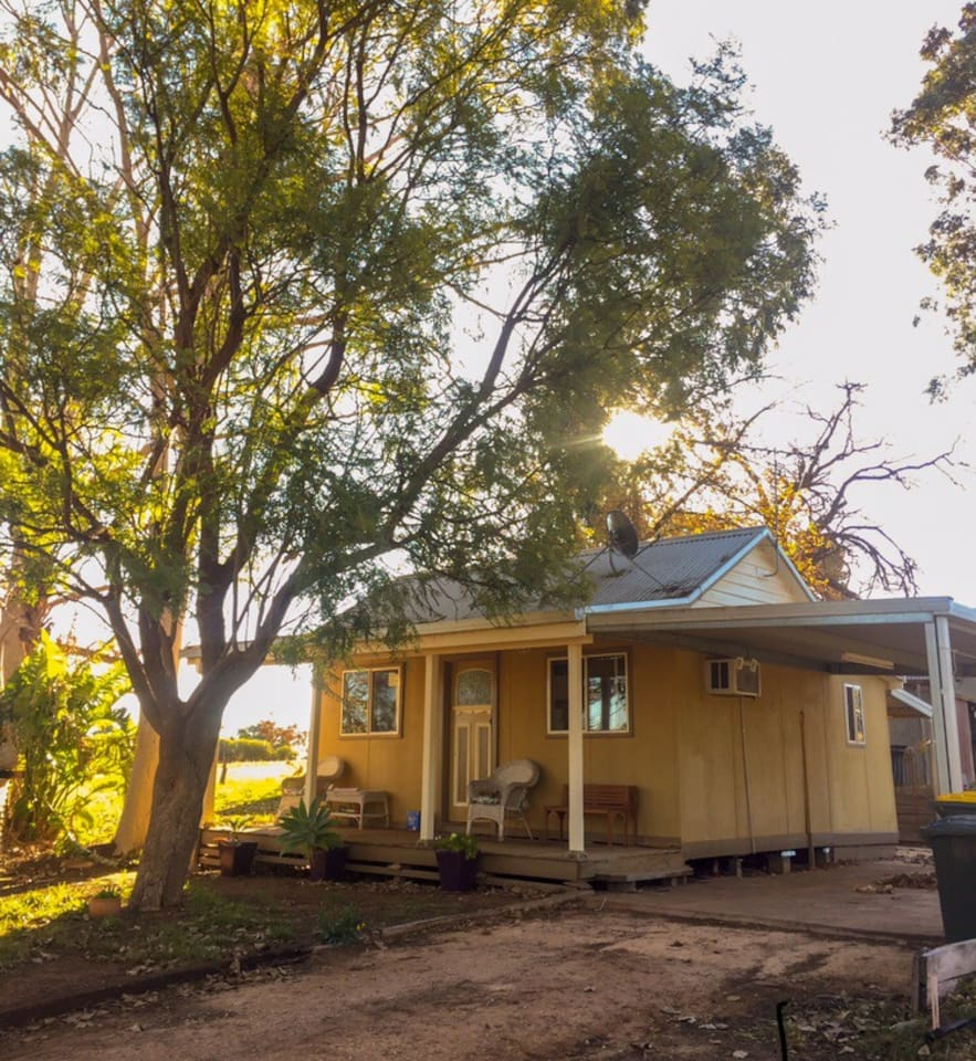 The fully renovated pickers cottage