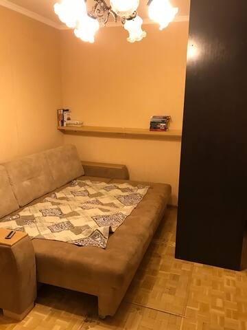 Комната на Черняховского